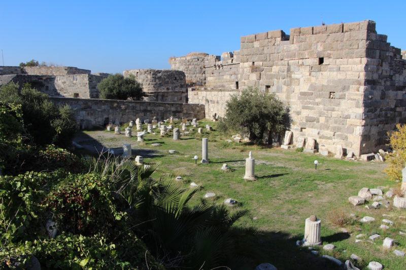 Neratzia Castle